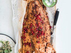 Постный салат из брокколи и запеченный лосось
