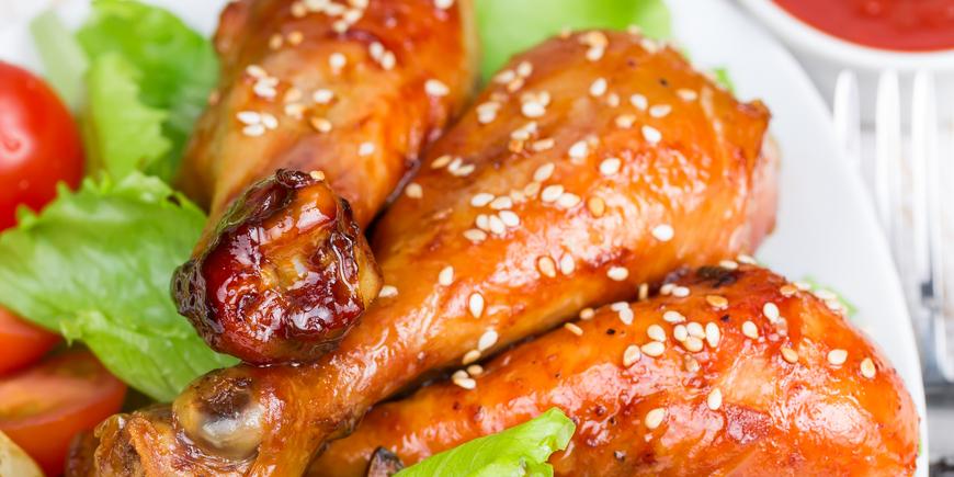 Куриные голени в кунжутном соусе