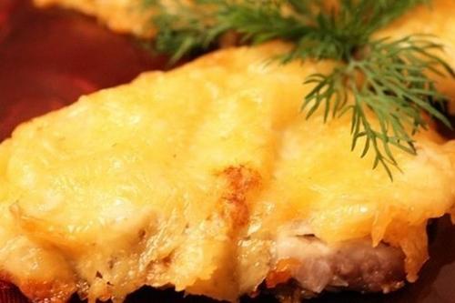 Говядина в сырно-сметанном соусе