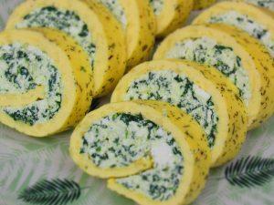 Закуска «Сырно-яичные рулетики» в духовке