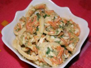 Салат с кальмарами «Лассо»: на ужин
