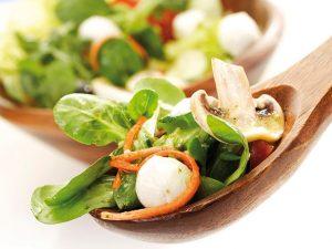 Салат с грибами и моцареллой
