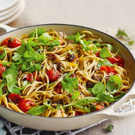 Спагетти с помидорами «Два в одном»