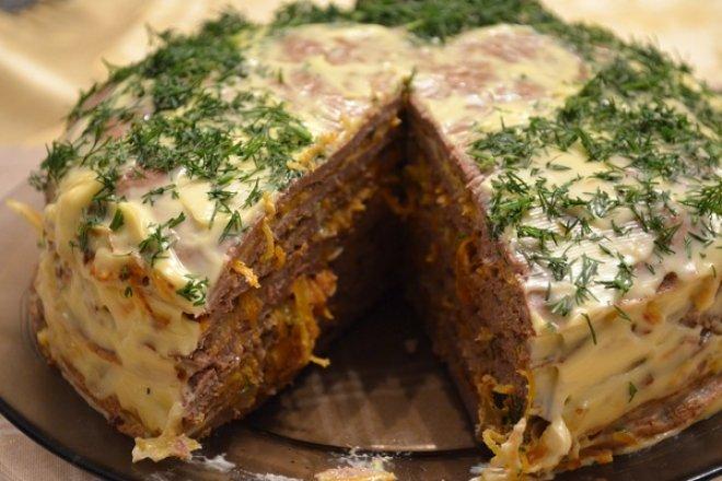 Печеночный тортик с морковью на закуску