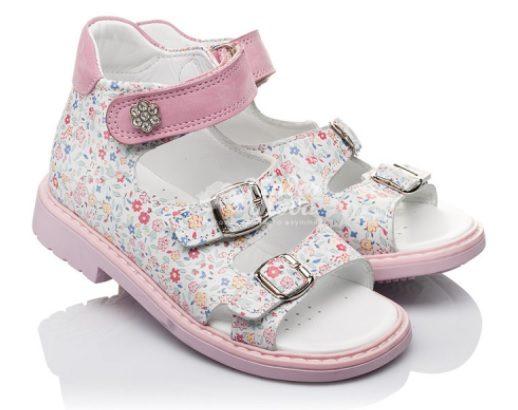 Как правильно выбрать обувь для девочки