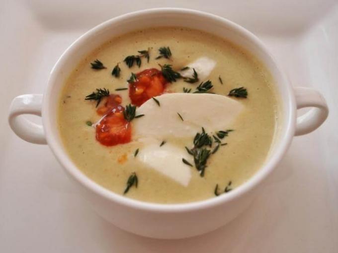 Крем-суп из запеченных баклажанов с помидорами