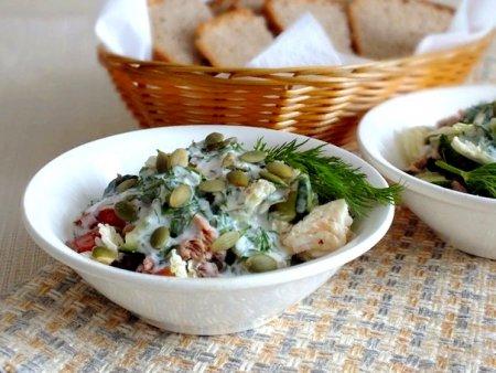 Быстрый салат с тунцом и пекинской капустой
