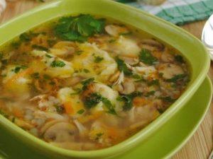 Сытный гречневый суп с курицей