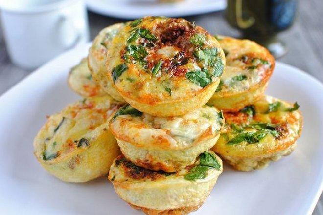 Творожные мини-запеканки с овощами в духовке