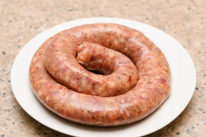 Колбаса из говядины и свинины по-домашнему