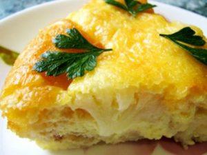 Запеканка из цветной капусты, сыра и яиц