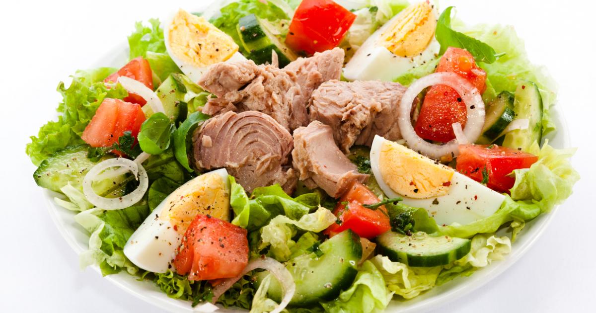 Салат с тунцом и овощами ПП