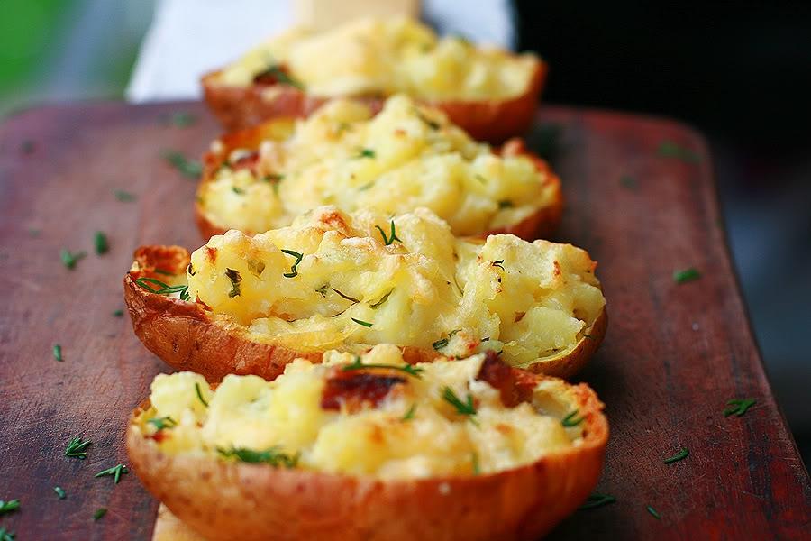 Картофель с начинкой запеченный в мундире