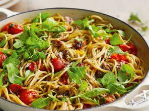 Рецепт спагетти с помидорами «Два в одном»
