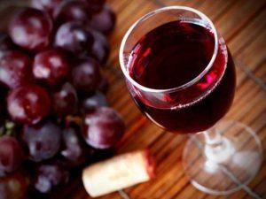 Как открыть вино пальцем