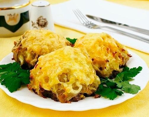 Стожки из фарша с картофелем и сыром
