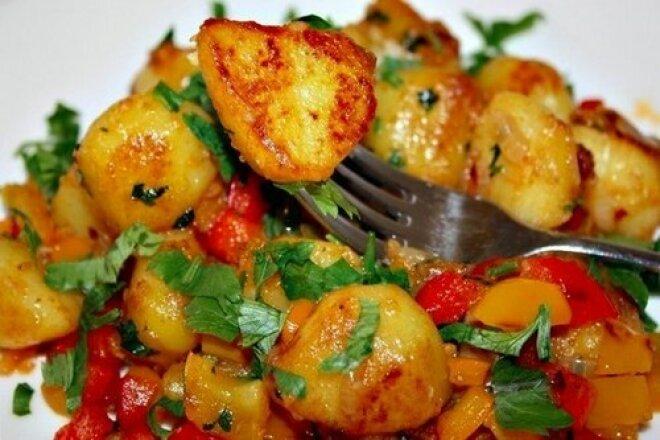 Острый картофель с красным перцем