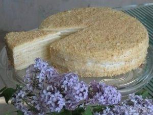 Сметанный торт с ванильным кремом