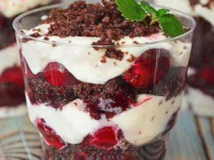 Новогодний десерт в бокалах