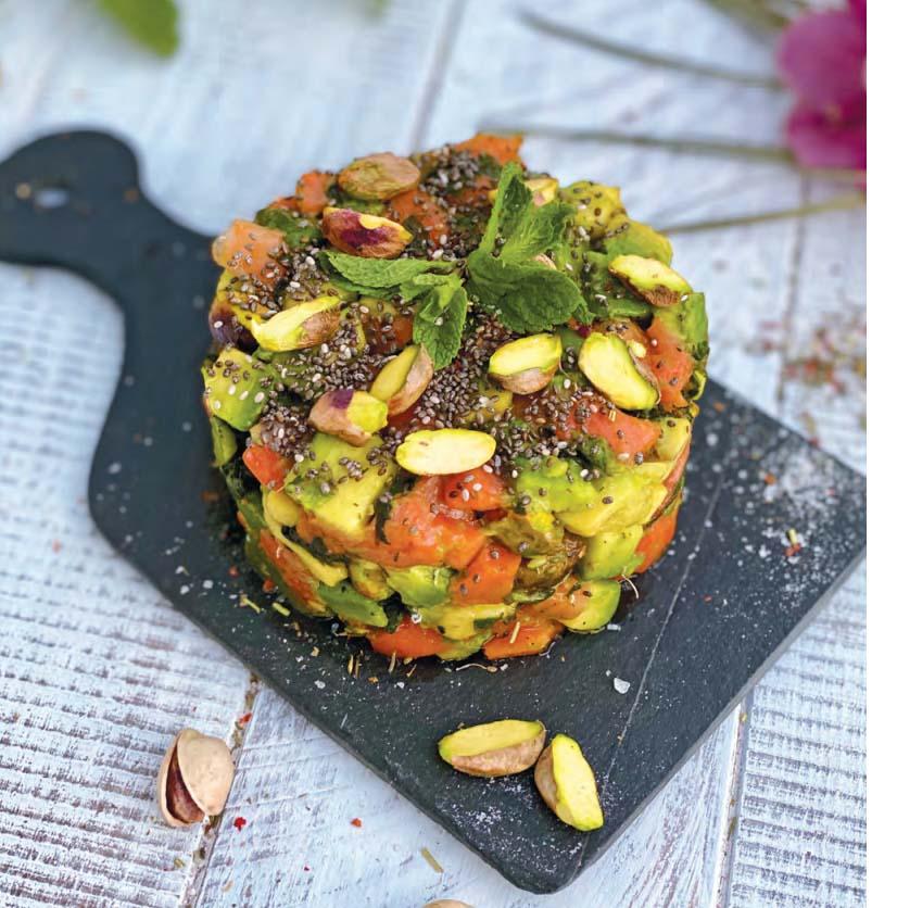Тартар из нерки с авокадо