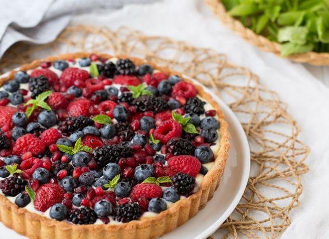 """Пирог с замороженными ягодами: рецепт турецкого """"МастерШефа"""""""
