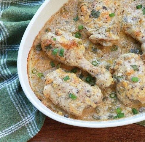 Куриные ножки в сметанно-грибном соусе