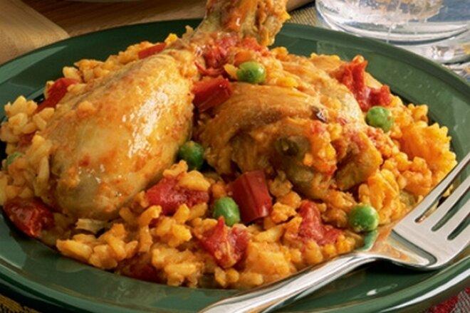 Рис с курицей маринованной в вине