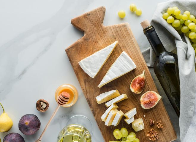 Закуски к вину: идеальные сочетания для красного и белого