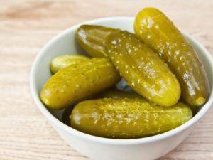 По-домашнему вкусные соленые огурцы от ТМ «Белоручка»