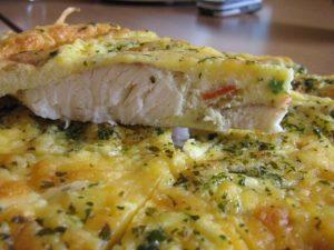 Запеченная рыба в сметане и яйцах