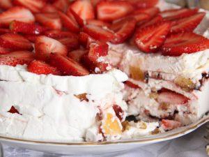 Торт из зефира с фруктами без выпечки