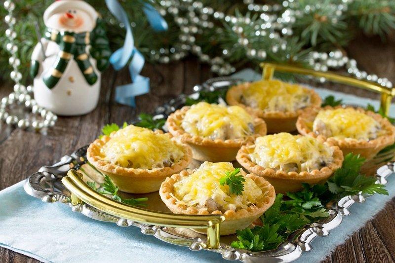 Салат в тарталетках «Новогодний сувенир»