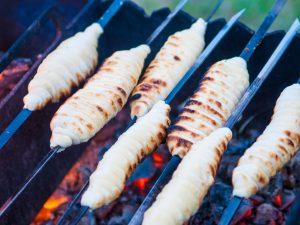 Сырные булочки на мангале