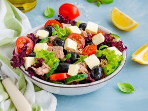 Салат с тунцом «Греческий»