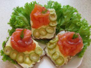 Бутерброды с форелью рецепт